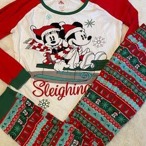 Disney Mickey and Minnie Sleighing It Christmas Pajamas set Sz S